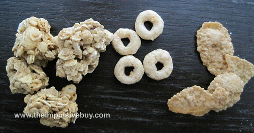 Honey Nut Cheerios Medley Crunch Clusters and flakes and O's [oh my!]