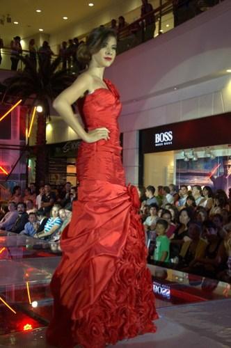 Long red roses dress