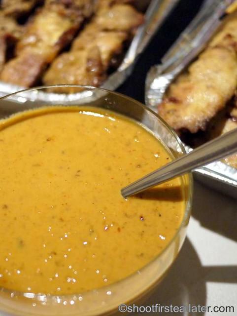 Deli San Honore- chicken & beef satay-001