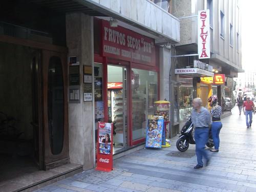 Pizarra abatible calle Jesús María.