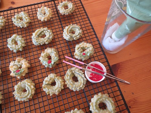 Spritz wreath cookies detail