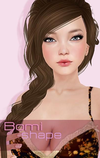 Bomi closeup closed lips