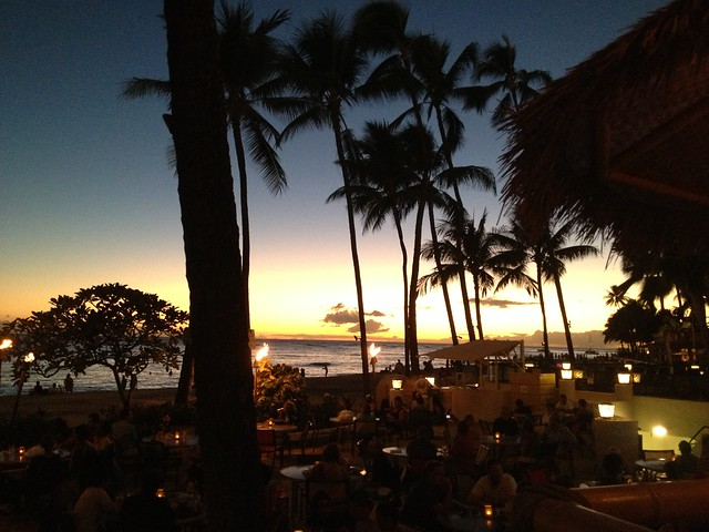 Duke's Waikiki sunset