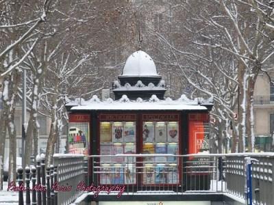 Kiosque theatre, Paris, under the snow.