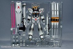 Robot Damashii Nu Gundam & Full Extension Set Review (6)