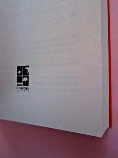 Deborah Willis, Svanire. Del Vecchio editore 2012. Grafica e impaginazione Dario Lucarini. Frontespizio (part.), 2