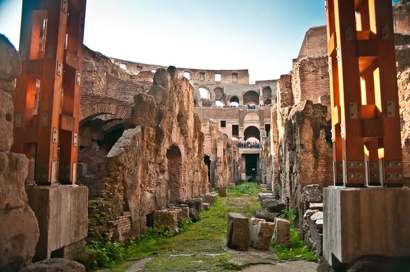 ColosseumWalksOfItaly-17
