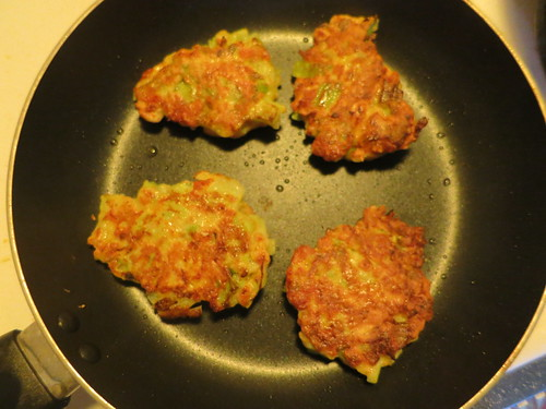 Broccoli and cheddar fritters
