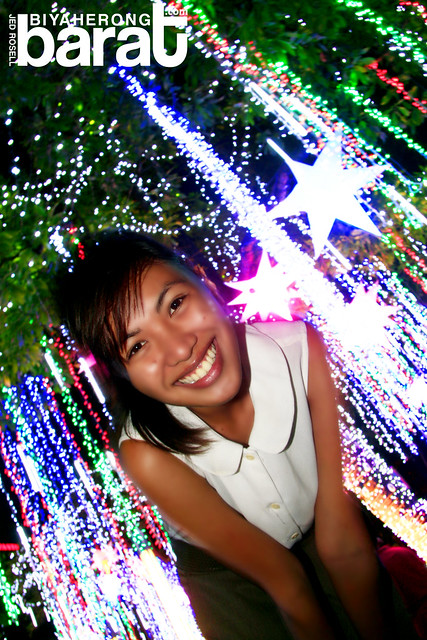 Tracy dela Cruz in Ayala Triangle Park Christmas Lights and Sound Display 2011 City