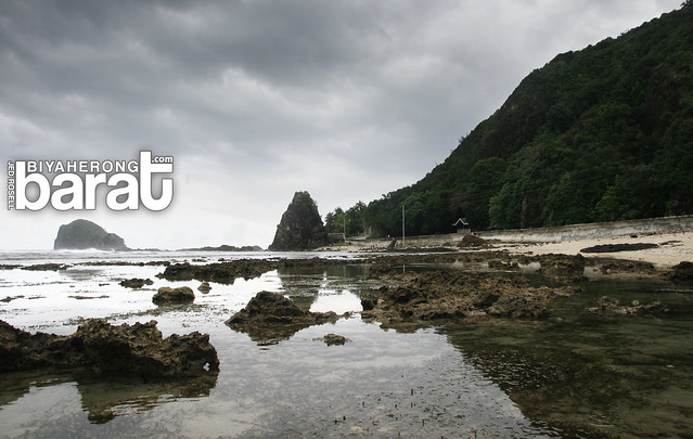 rock formations digisit beach baler
