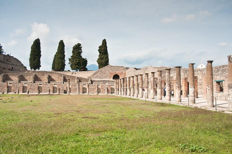 PompeiiWalksOfItaly-2