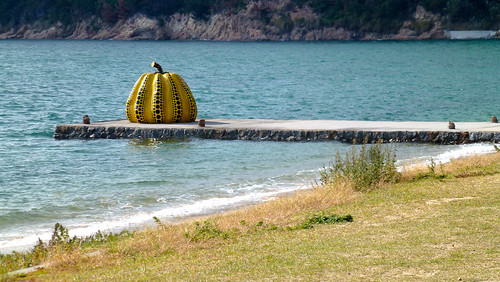 Yellow pumpkin, Naoshima Island