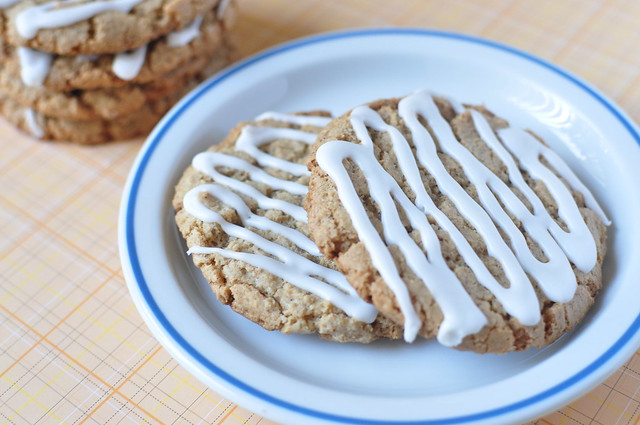 iced oatmeal cookies 08
