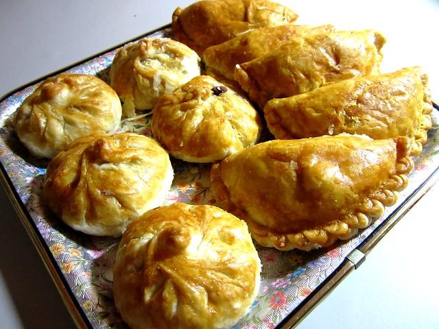 Sio pao & curry puffs