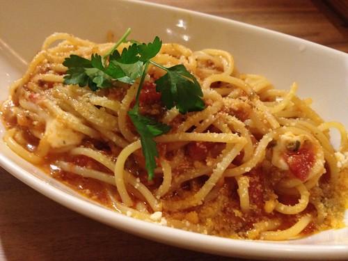 ナポリ風 トマトとモッツァレラチーズ、バジルの生スパゲティーニ@Samurai (サムライ)
