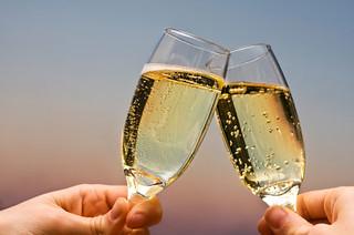 Dusit champagne_toast_c1