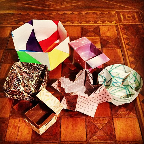One Sheet Origami Square Box with Lid – Origami Tutorials | 500x500