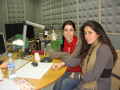 Elena Manzano y María Vélez en los estudios de Onda Cero Sevilla