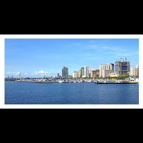 Manila Yacht Club. Taken 12.9.12. #iphoneonly4s #awesomephotos #iphoneography #photographyeveryday #picoftheday #manila