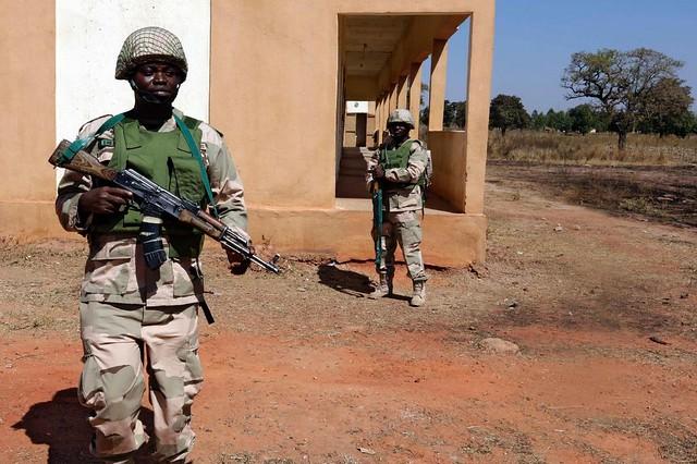 Soldados nigerianos en Malí