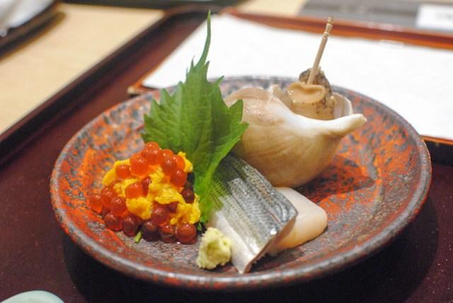 scallop, salmon roe, sea snail, mackerel sashimi