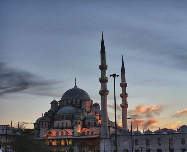 Atardecer sobre la mezquita Yeni