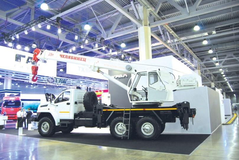 25-тонный автокран «Челябинец» на шасси «Урал NEXT»