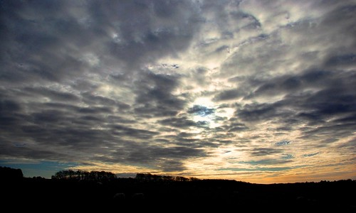 20121202-11_Winter Sky above Bourton Downs - Cotswolds by gary.hadden