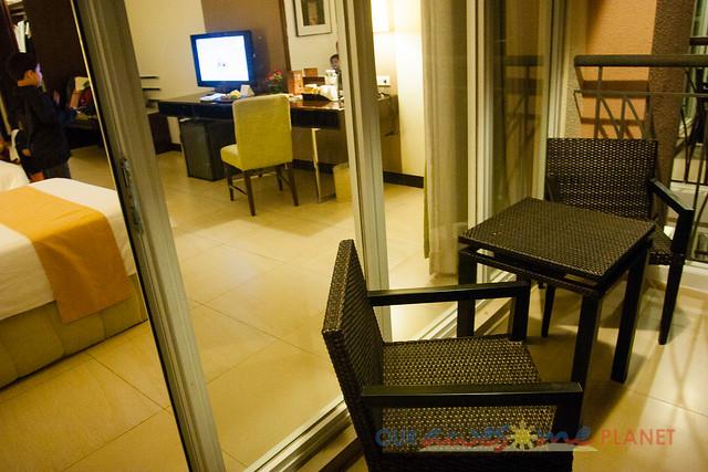 Taal Vista Hotel-3.jpg