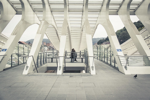 Lovers in the Matrix (Gare de Liège-Guillemins, Belgique) - Photo : Gilderic
