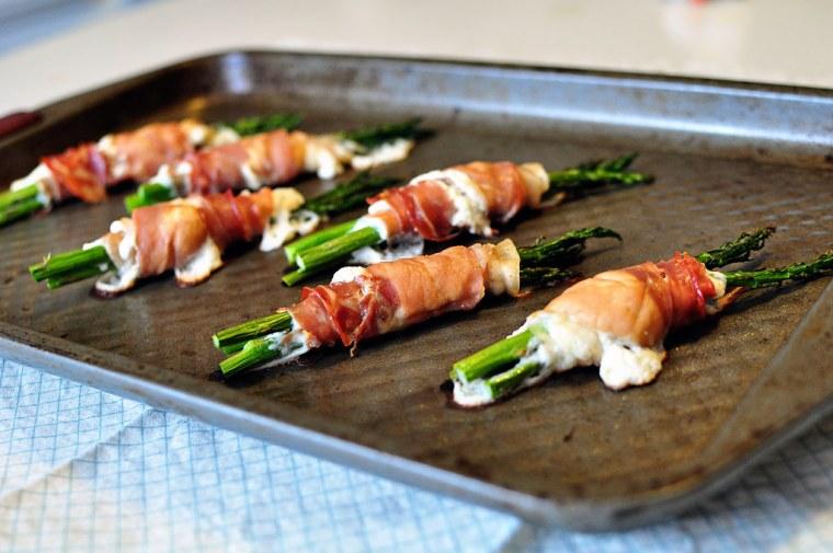 Prosciutto Wrapped Asparagus 3
