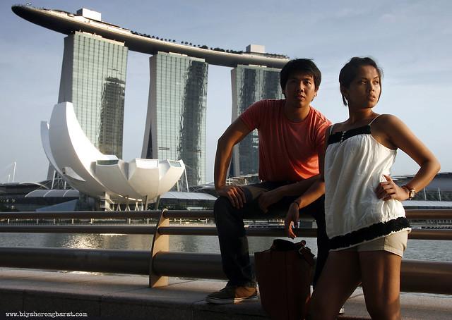 Jehanna And Jourdan Rosell in Marina Bay