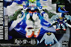 SDGO Wing Gundam Zero Endless Waltz Toy Figure Unboxing Review (7)