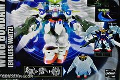 SDGO Wing Gundam Zero Endless Waltz Toy Figure Unboxing Review (7)
