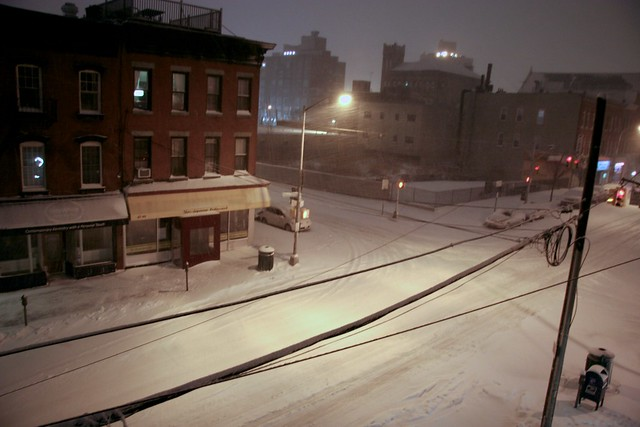 Snow on Vernon Boulevard
