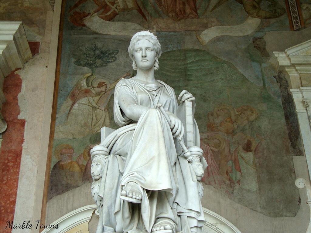 Pisa Camposano Cemetery statue 5.jpg