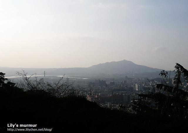 從這裡可以遠眺觀音山以及山下風景,早點來風景應該更好看。