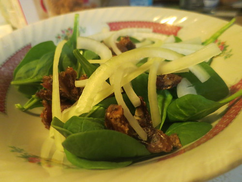 Baby spinach, date and almond salad