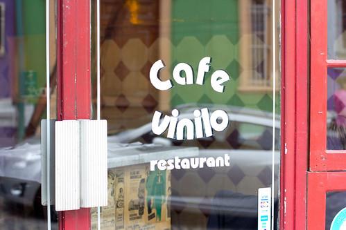 Entrada al restaurante El Vinilo