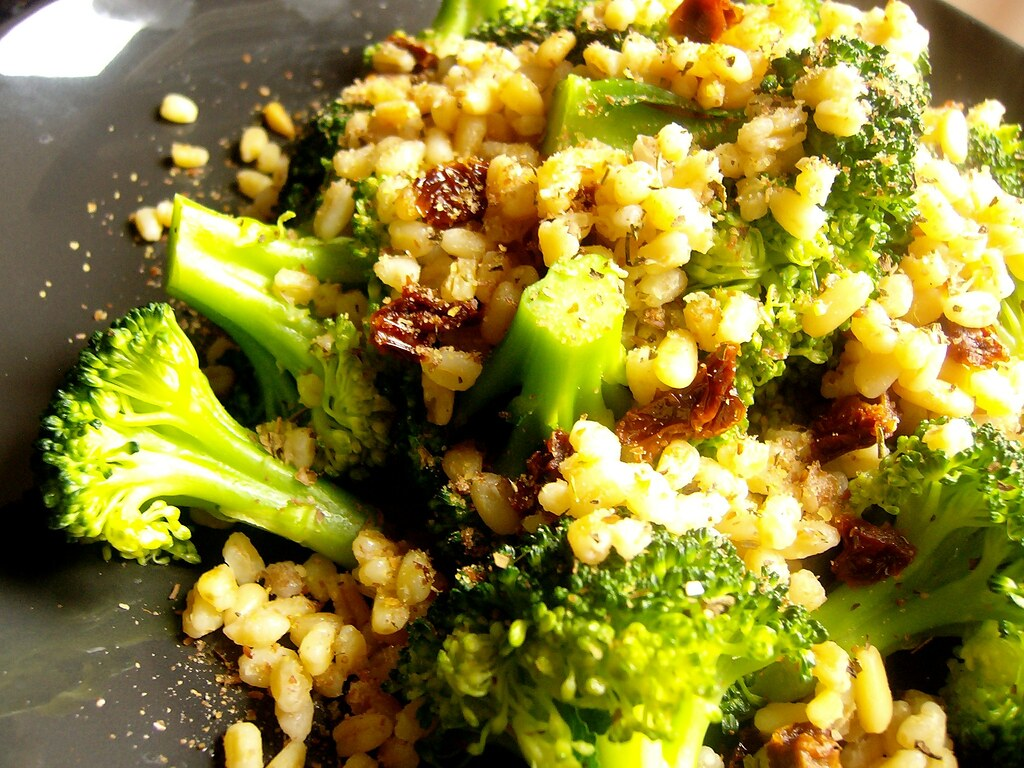 Boiled wheatberries and steamed broccoli
