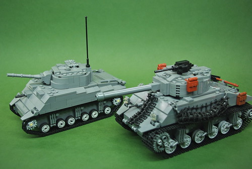 M4 Sherman comparison - Dunechaser vs. Brickmania (1)