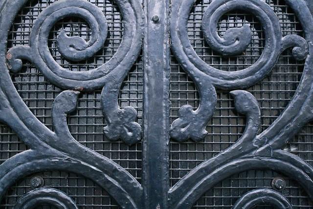 black steel lace door oxford detail