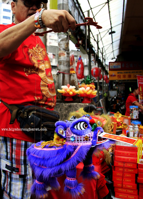 Puppet lion Chinatown Binondo Manila Chinese New Year 2013
