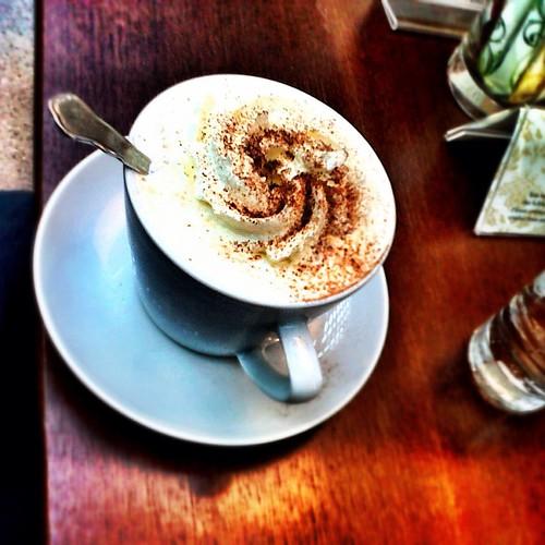 Afternoon coffee @ castle #Schönbrunn #Vienna by SpatzMe