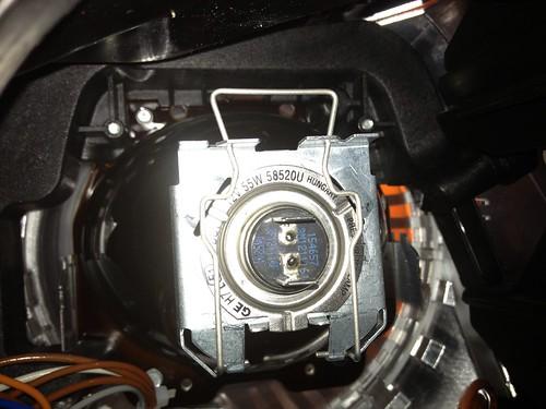 Mercedes 2010 GLK Low Beam retainer clips