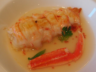 Detail: Langoustine tail and claw, lobster bouillon and roe