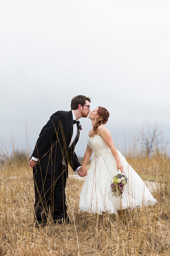 Studio_Starling_Byron_Colby_Barn_Wedding-60