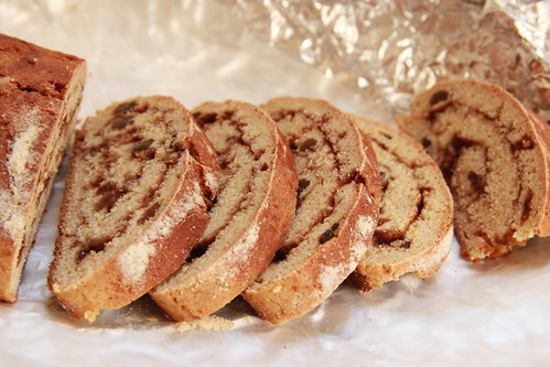 Cinnamon raisin bread 3
