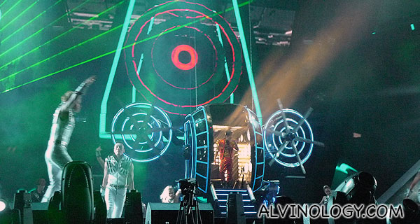 Jay Chou emerges from the centre capsule to kick-start the first song for the night