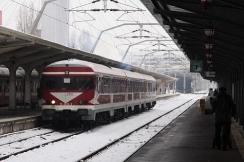 DMU belonging to private operator 'Transferoviar Calatori' arrives in Bucharest
